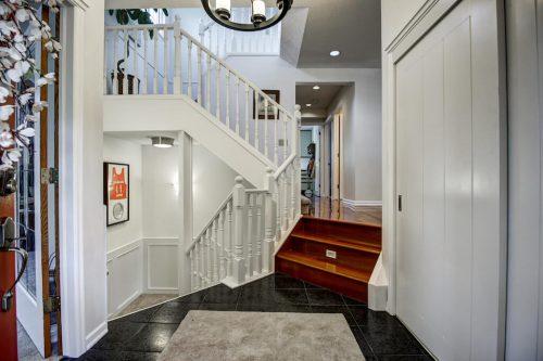 Front-Entry-home-for-sale-plintz