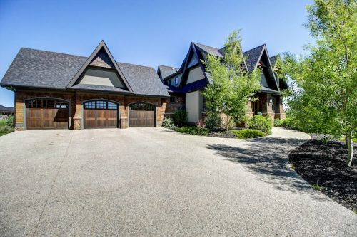 Traditional-garage-20-October-Gold-Gate-Elbow-Valley-For-Sale-Plintz-Real-Estate-Calgary-Sothebys