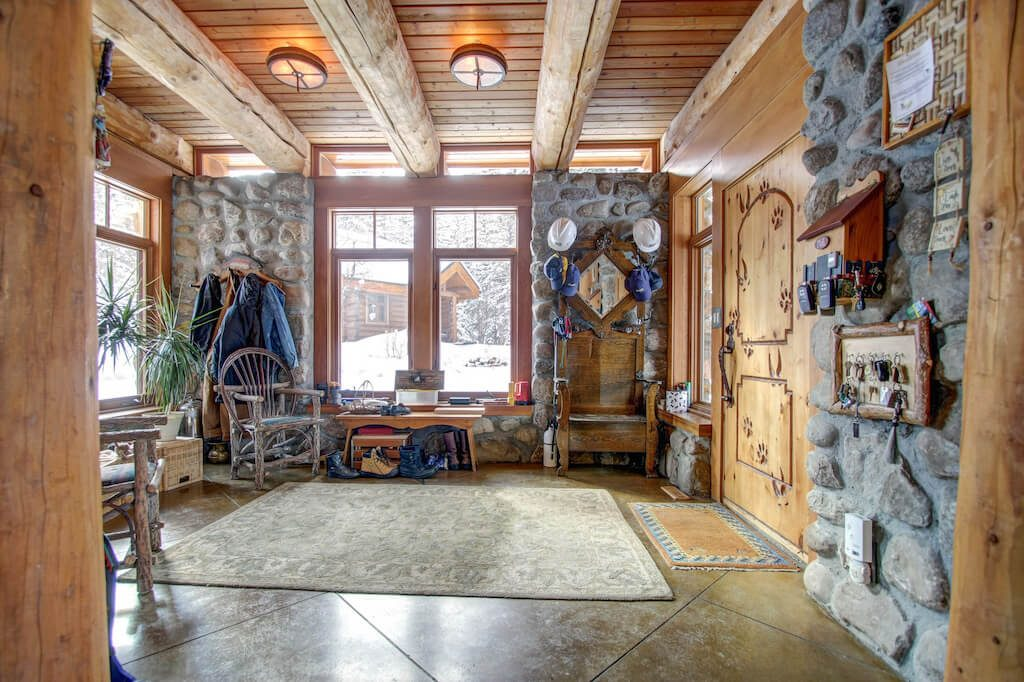 Entry-mudroom-poarch-352248-Pine-Ridge-Road-Bragg-Creek-Ranch-Acreage-For-Sale-Calgary-Real-Estate-For-Sale-taylor-sothebys-Realtor-Plintz