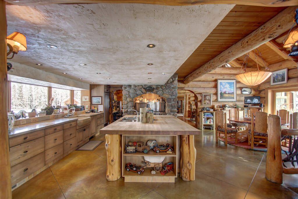 Farm-kitchen-352248-Pine-Ridge-Road-Bragg-Creek-Ranch-Acreage-For-Sale-Calgary-Real-Estate-For-Sale-taylor-sothebys-Realtor-Plintz