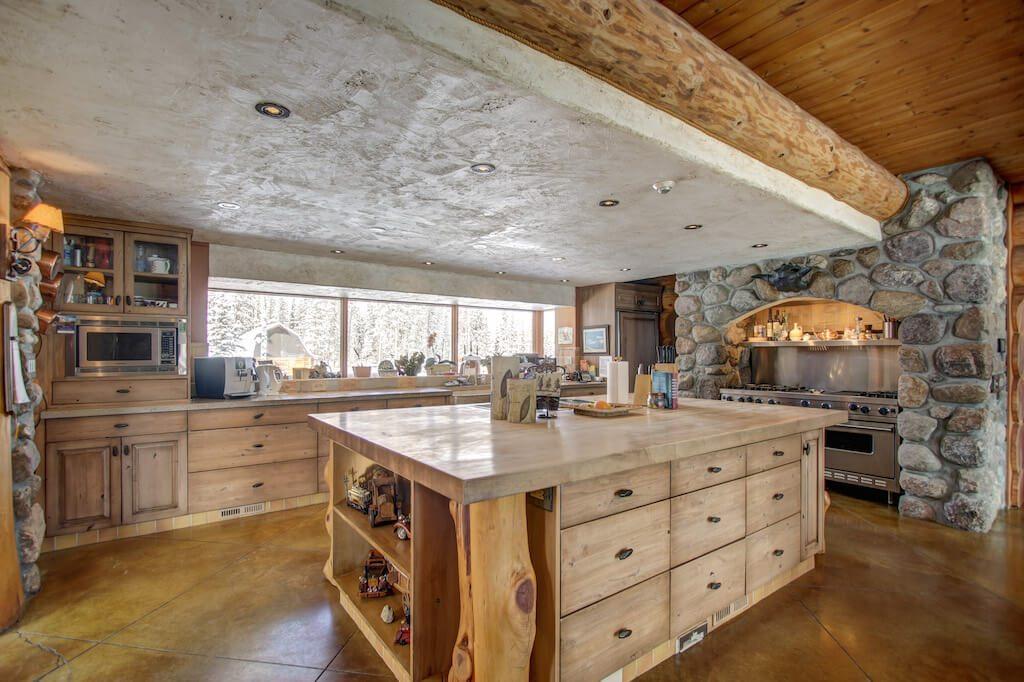 Rustic-farm-kitchen-352248-Pine-Ridge-Road-Bragg-Creek-Ranch-Acreage-For-Sale-Calgary-Real-Estate-For-Sale-taylor-sothebys-Realtor-Plintz