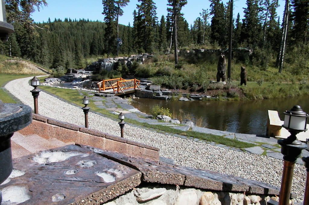 Views-nature-private-landscaping-352248-Pine-Ridge-Road-Bragg-Creek-Ranch-Acreage-For-Sale-Calgary-Real-Estate-For-Sale-taylor-sothebys-pond