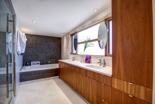 ensuite-904-31-Avenue-NW-cambrian-heights-mount-pleasant-calgary-real-estate-for-sale-plintz