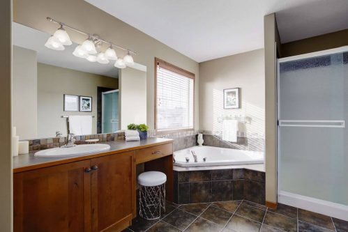 soaker-tub-ensuite-303-Valley-Crest-Court-NW-Valley-Ridge-Plintz-Real-Estate-For-Sale-Calgary-Alberta