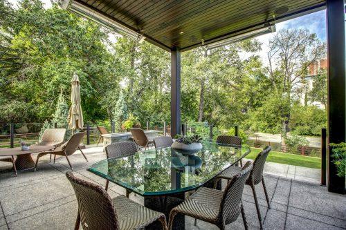 backyard-patio-furniture-river-view-2605-Erlton-Street-SW-Calgary-Real-Estate-Homes-For-Sale-Realtor-Plintz-Luxury-Custom