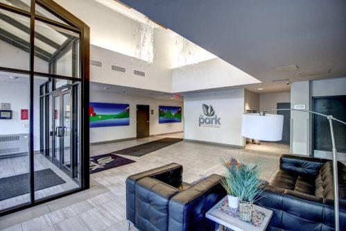 the-park-condominium-foyer-lobby-downtown-13-Avenue-SW-park-calgary-beltline-condo-real-estate-for-sale-plintz