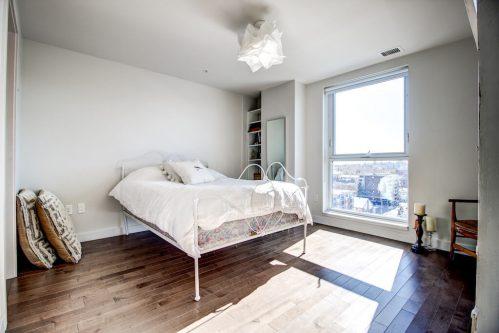 guest-bedroom-13-Avenue-SW-park-calgary-beltline-condo-real-estate-for-sale-plintz