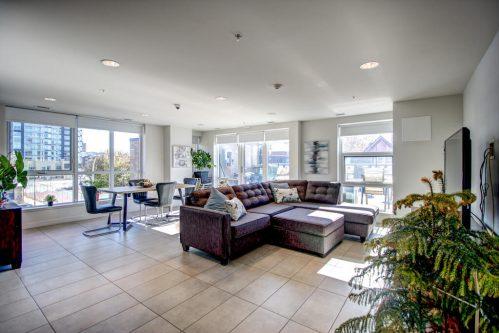 party-residents-room-13-Avenue-SW-park-calgary-beltline-condo-real-estate-for-sale-plintz