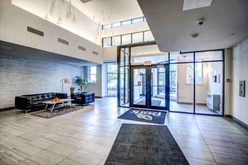 the-park-condo-foyer-downtown-13-Avenue-SW-park-calgary-beltline-condo-real-estate-for-sale-plintz