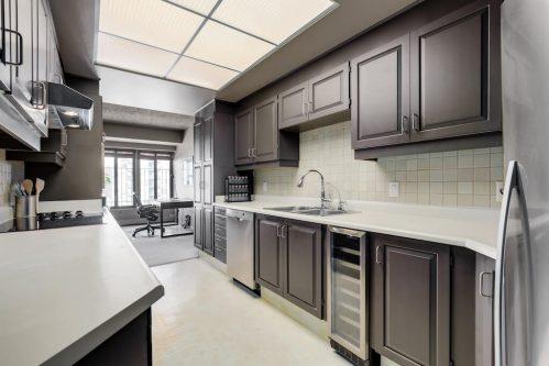 kitchen-galley-1230-720-13-Avenue-SW-Estate-Condo-Executive-Beltline-Connaught-Plintz-Real-Estate-For-Sale