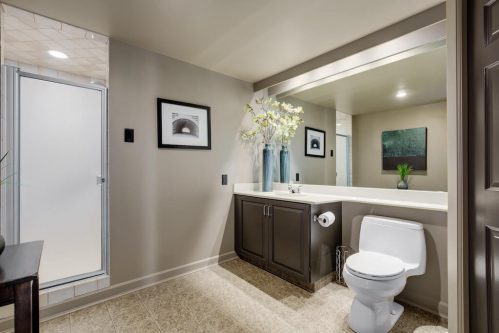 master-bathroom-1230-720-13-Avenue-SW-Estate-Condo-Executive-Beltline-Connaught-Plintz-Real-Estate-For-Sale