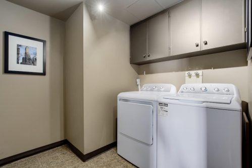 ensuite-laundry-1230-720-13-Avenue-SW-Estate-Condo-Executive-Beltline-Connaught-Plintz-Real-Estate-For-Sale