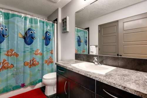 4-piece-bathroom-755-New-Brighton-Drive-Se-Home-House-for-sale-real-estate-calgary-plintz
