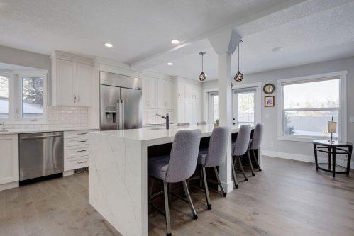Legacy-kitchen-island-147-Lake-Tahoe-Green-SE-Bonavista-Calgary-Homes-For-Sale-Plintz-Real-Estate-realtor