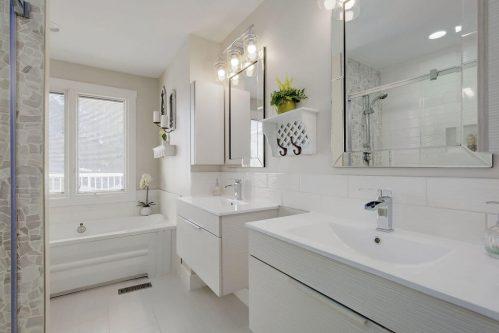 dual-vanities-ensuite-bathroom-147-Lake-Tahoe-Green-SE-Bonavista-Calgary-Homes-For-Sale-Plintz-Real-Estate-realtor