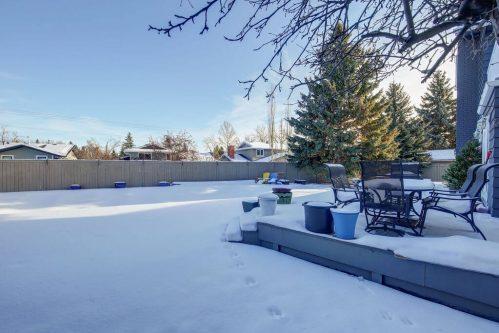 backyard-147-Lake-Tahoe-Green-SE-Bonavista-Calgary-Homes-For-Sale-Plintz-Real-Estate-realtor