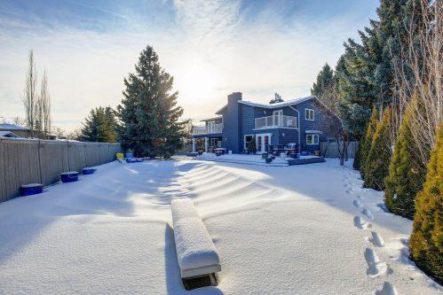 outdoor-pool-snow-147-Lake-Tahoe-Green-SE-Bonavista-Calgary-Homes-For-Sale-Plintz-Real-Estate-realtor