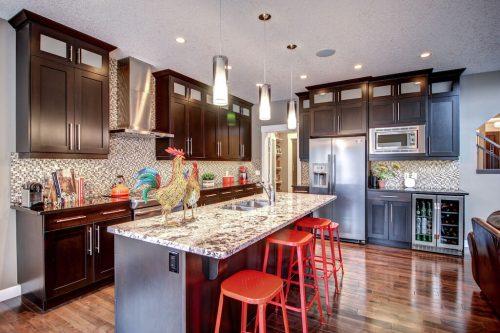 kitchen-island-granite-14-Aspen-Dale-Court-SW-Home-For-Sale-Plintz-Real-Estate-Calgary-Woods-Luxury-Alberta-Realtor