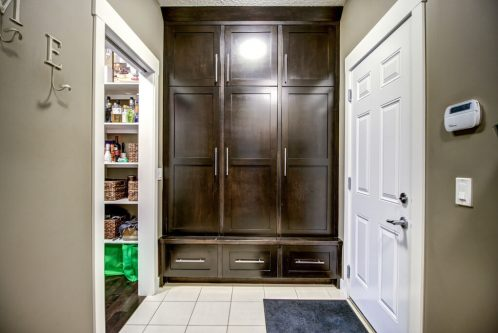 mudroom-14-Aspen-Dale-Court-SW-Home-For-Sale-Plintz-Real-Estate-Calgary-Woods-Luxury-Alberta-Realtor