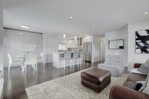 renovated-modern-kitchen-3828-41-Avenue-SW-Glenbrook-Glamorgan-Calgary-Inner-City-Bungalow-For-Sale-Plintz-Real-Estate-Basement-Suite-Renovated