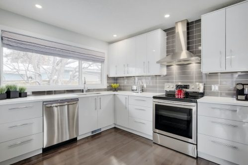 renovated-home-3828-41-Avenue-SW-Glenbrook-Glamorgan-Calgary-Inner-City-Bungalow-For-Sale-Plintz-Real-Estate-Basement-Suite-Renovated