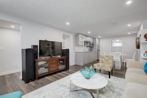 basement-secondary-suite-3828-41-Avenue-SW-Glenbrook-Glamorgan-Calgary-Inner-City-Bungalow-For-Sale-Plintz-Real-Estate-Basement-Suite-Renovated