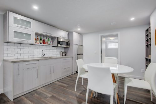 basement-suite-3828-41-Avenue-SW-Glenbrook-Glamorgan-Calgary-Inner-City-Bungalow-For-Sale-Plintz-Real-Estate-Basement-Suite-Renovated