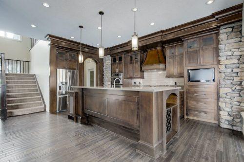 Mahogany-millwork-luxury-kitchen-8-Villosa-Ridge-Drive-Springbank-Calgary-Alberta-Plintz-Real-Estate-For-Sale-Realtor