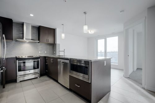 Kitchen-Island-1007-303-13-Avenue-SW-The-Park-Condo-Calgary-For-Sale-Pintz-Real-Estate-Dennis-Realtor