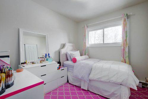 bedroom-1320-87-Avenue-SW-Haysboro-Bungalow-For-Sale-Plintz-Real-Estate-Calgary-Realtor