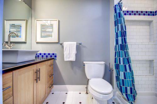 subway-tile-shower-2503-16-Street-SW-Bankview-Calgary-Real-Estate-Homes-For-Sale-Plintz-Realtor-Dennis-Inner-City