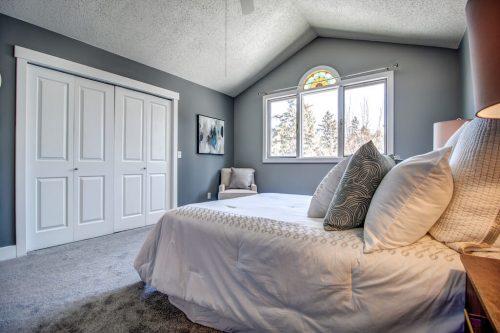 master-bedroom-vaulted-ceiling-double-closet-2503-16-Street-SW-Bankview-Calgary-Real-Estate-Homes-For-Sale-Plintz-Realtor-Dennis-Inner-City