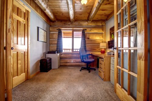 timber-beam-house-office-107-Signal-Hill-Point-SW-Home-For-Sale-Plintz-Real-Estate-Walkout-Basement-Realtor-Dennis