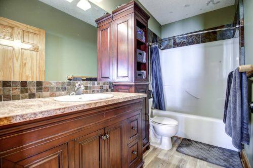 bathroom-107-Signal-Hill-Point-SW-Home-For-Sale-Plintz-Real-Estate-Walkout-Basement-Realtor-Dennis