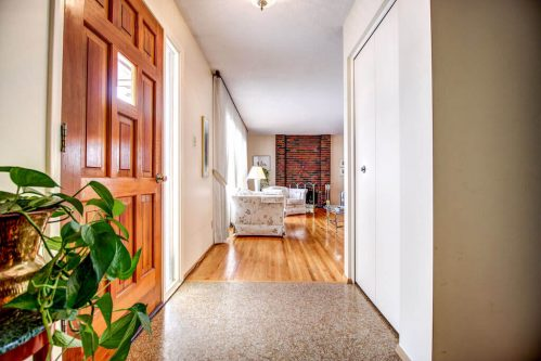 Hallway-515-Willacy-Drive-SE-Willow-Park-Real-Estate-Bungalow-For-Sale-Plintz-Realtor-Dennis-Home