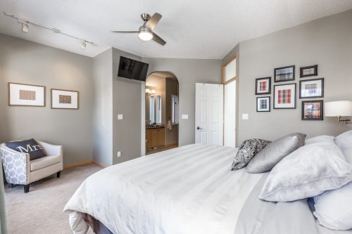Bedroom-fan-arched-door-47-28-Avenue-SW-Erlton-Calgary-Home-For-Sale-Plintz-Real-Estate-House-realtor-realty