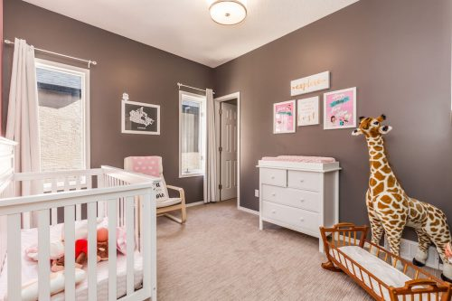 nursery-brown-giraffe-47-28-Avenue-SW-Erlton-Calgary-Home-For-Sale-Plintz-Real-Estate-House-realtor-realty