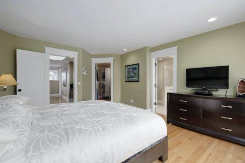 master-bedroom-818-Rideau-Road-SW-Calgary-Real-Estate-For-Sale-Luxury-Home-Plintz-Realtor-Realty