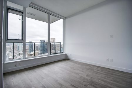 Bedroom-View-Park-Point-Calgary-Beltline-Condo-310-12-Avenue-SW-Luxury-Plintz-Real-Estate