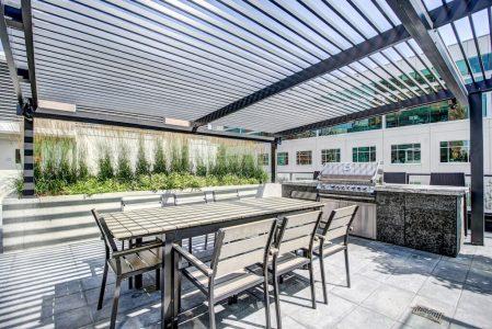 Courtyard-BBQ-Deck-Park-Point-Calgary-Beltline-Condo-310-12-Avenue-SW-Luxury-Plintz-Real-Estate