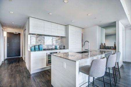 Kitchen-Park-Point-Calgary-Beltline-Condo-310-12-Avenue-SW-Luxury-Plintz-Real-Estate
