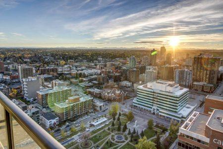 Mountain-Sunset-Park-Point-Calgary-Beltline-Condo-310-12-Avenue-SW-Luxury-Plintz-Real-Estate