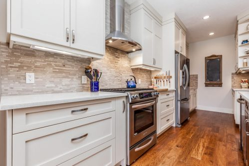quartz-counters-tile-backsplash-stainless-steel-appliances-kitchen-design-3514-42-Street-SW-Glenbrook-Calgary-Home-Real-Estate-for-sale-infill-attached-Plintz