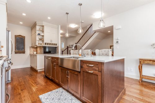 kitchen-island-walknut-quartz-3514-42-Street-SW-Glenbrook-Calgary-Home-Real-Estate-for-sale-infill-attached-Plintz