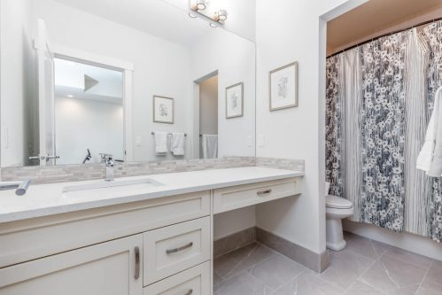 bathroom-vanity-3514-42-Street-SW-Glenbrook-Calgary-Home-Real-Estate-for-sale-infill-attached-Plintz