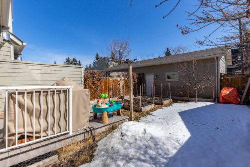 double-detached-garage-3514-42-Street-SW-Glenbrook-Calgary-Home-Real-Estate-for-sale-infill-attached-Plintz