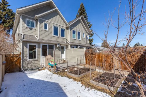 raised-garden-flower-beds-composite-deck-3514-42-Street-SW-Glenbrook-Calgary-Home-Real-Estate-for-sale-infill-attached-Plintz