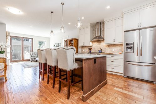 island-stools-kitchen-design-contemporary-3514-42-Street-SW-Glenbrook-Calgary-Home-Real-Estate-for-sale-infill-attached-Plintz