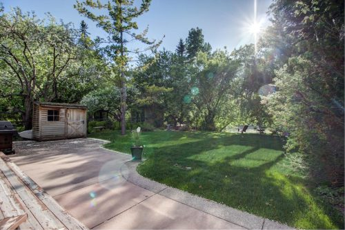 river-view-backyard-818-Rideau-Road-SW-Calgary-Real-Estate-For-Sale-Luxury-Home-Plintz-Realtor-Realty