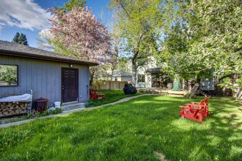 garage-andronack-chair-backyard-3119-Kilkenny-Drive-SW-Killarney-Calgary-Real-Estate-Homes-For-Sale-Plintz-Realtor-Dennis